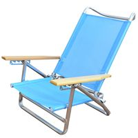 Reposera-de-playa-azul-con-posabrazos-en-madera