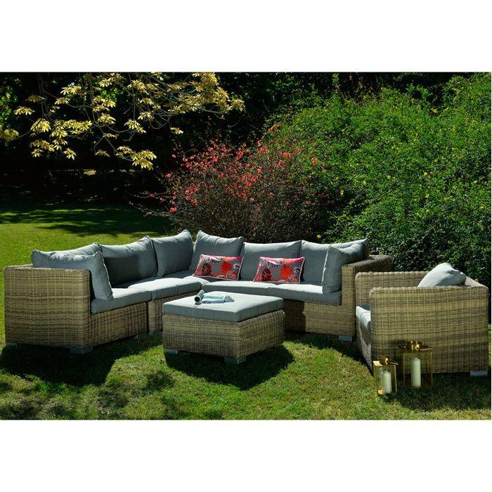Juego-de-living-rattan-1-sofa-esquinero-1-sillon-con-brazos-y-ottoman-color-beige-C020