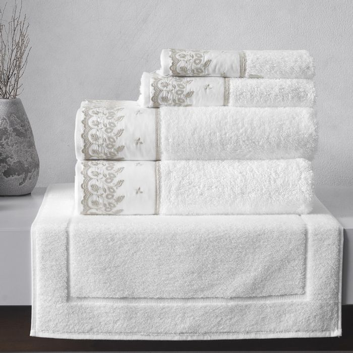 Toallas-KARSTEN-linea-Fresia-para-baño-blanco-74-x140cm