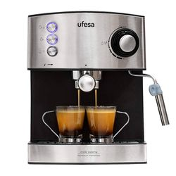 Cafetera-Espresso-UFESA-Mod.-CE7240-20-bares-850w-1.6l